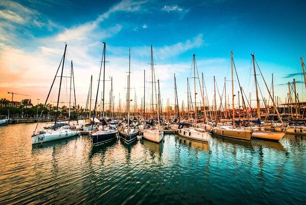 Vackra segelbåtar